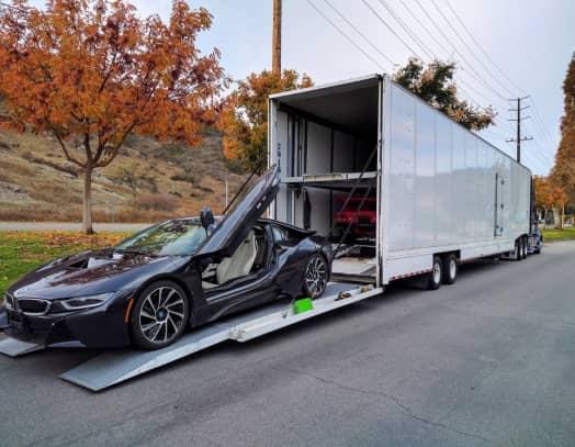 Enclosed hard side trailer